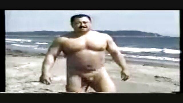 Gadis-gadis, seorang pria di mulut film bokep japan hd adalah bagian dari kotoran.