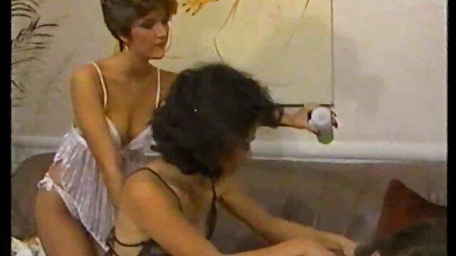 Sialan, salesman ini tidak bisa melakukan hot mom bokep jepang apa-apa kecuali bercinta.