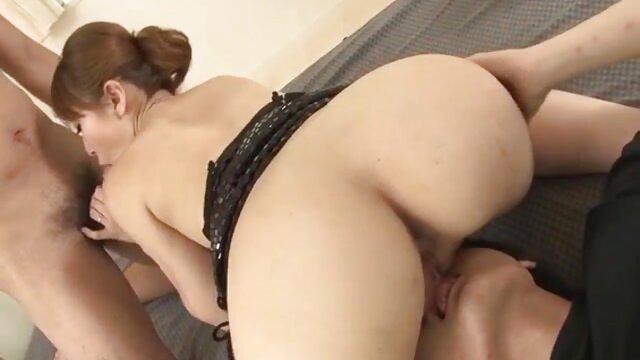 Seorang gadis di kamar film bokep mom japan mandi