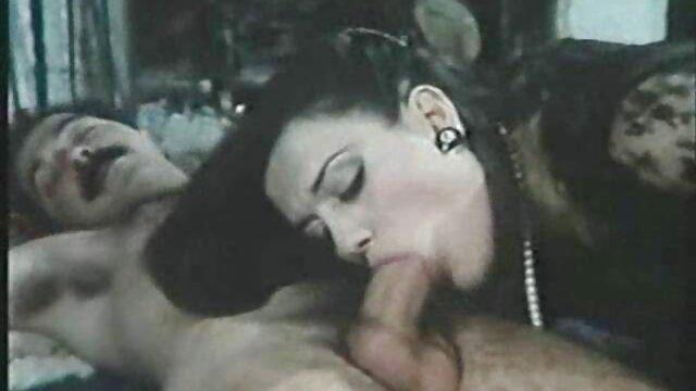 Pirang, cantik, berbingkai. film bokep japanese full movie