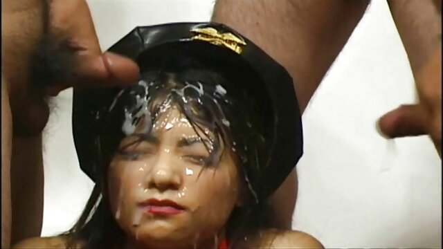 Kerja tangan di payudara. bokep semi japan