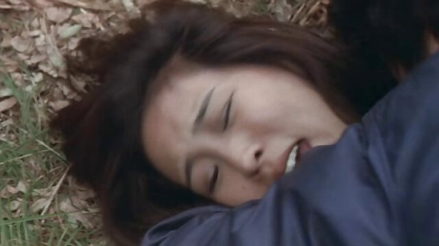 Dia naik film bokep full japanese di atas Pria Di Kamar mandi, kemudian menggoda seks.